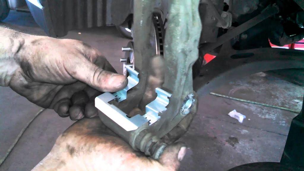 Disc Brake Hardware Kit Front Centric 117.62006